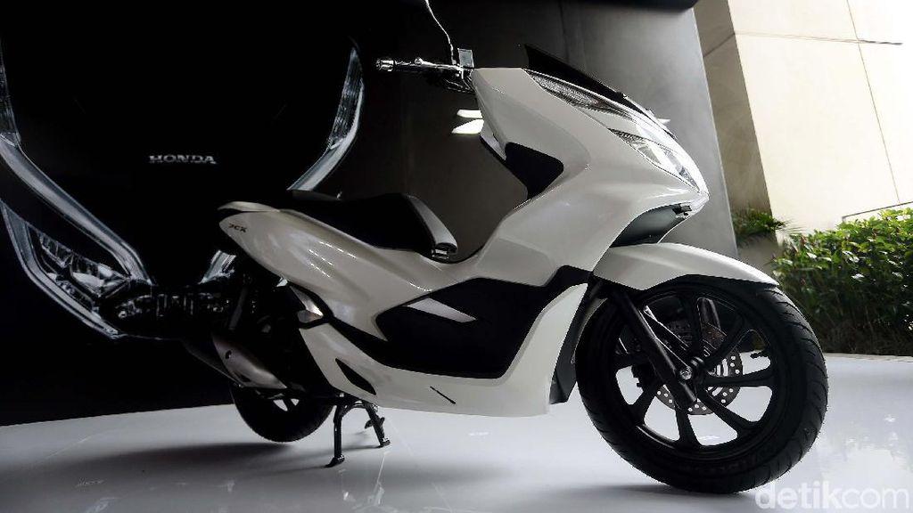 Apa Beda Honda PCX Versi ABS dan CBS?