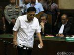 Dakwaan Dibacakan, Pengacara Setya Novanto Sebut Praperadilan Gugur