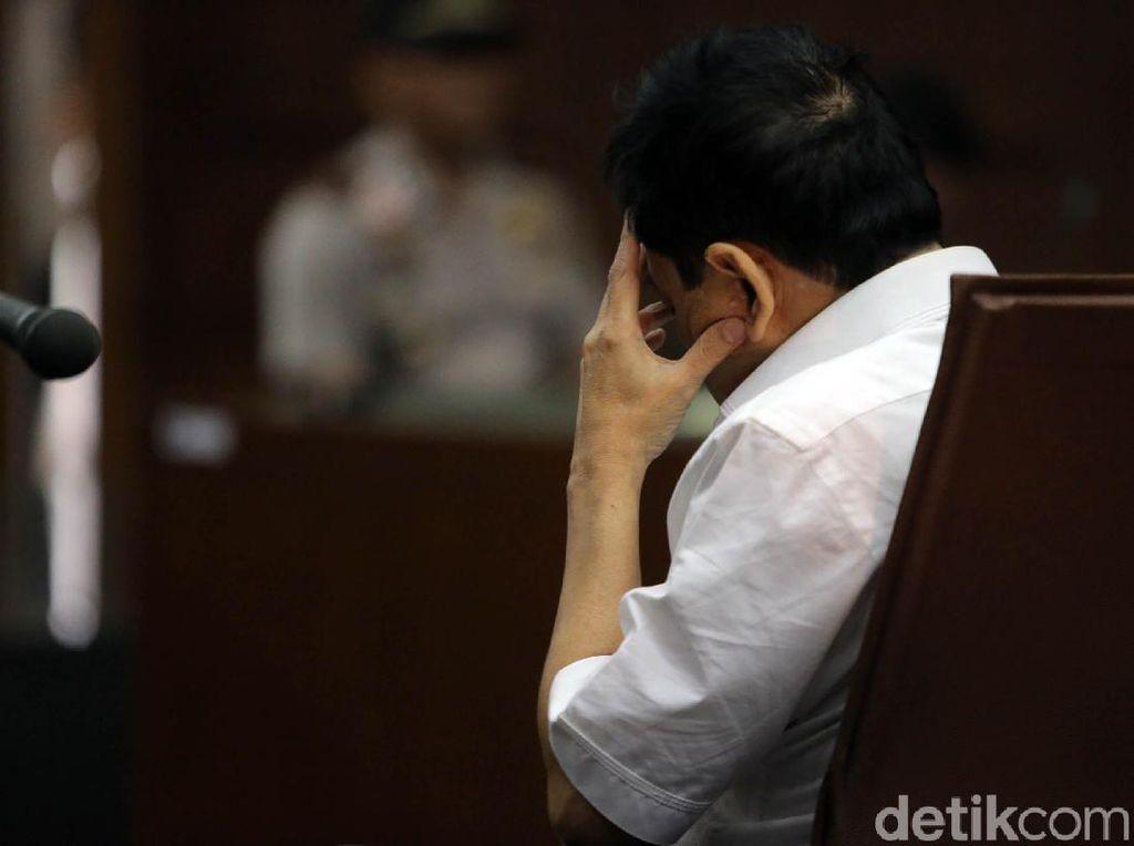 Keoknya Para Loyalis Usai Dakwaan Novanto Dibacakan