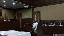 Setya Novanto Terus Menunduk Saat Jaksa Bacakan Dakwaan
