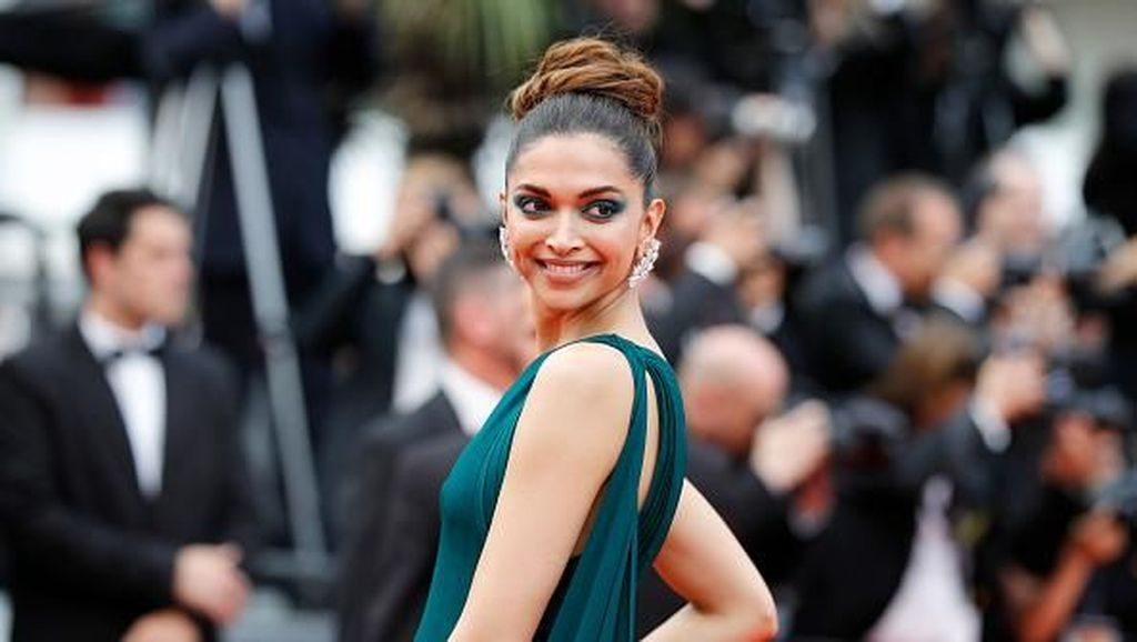 Deepika Padukone Raih Penghargaan Most Followed Account dari Instagram