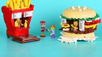 Wah, Miniatur Gerai Makanan Ini Ternyata Terbuat dari Lego!