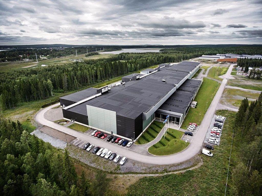 Data center di Lulea, Swedia ini mulai digunakan tahun 2013 dan merupakan data center pertama Facebook di luar Amerika Serikat. Lokasinya dekat kutub utara. Foto: Facebook