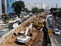 Saran Ekonom Agar BUMN Tak Berdarah-darah Bangun Infrastruktur