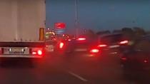 Bahayanya Suka Selap-selip di Jalan Tol