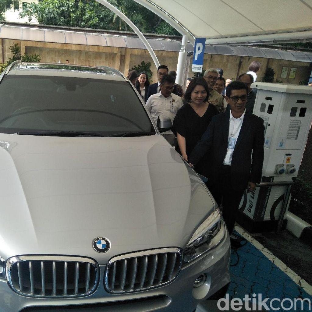 Menyongsong Era Kendaraan Listrik, BMW Berkolaborasi dengan PLN