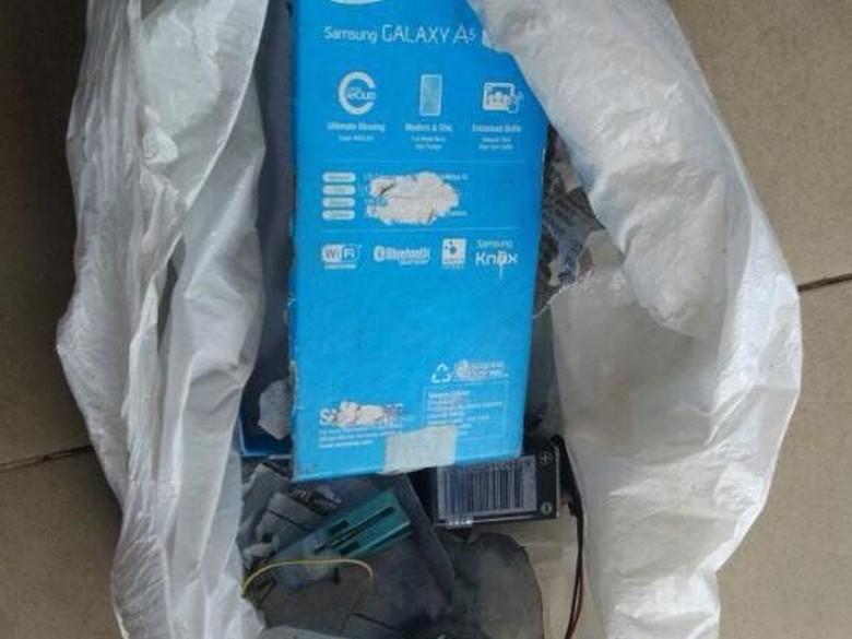 Ini Isi Paket Bom yang Meledak di Surabaya