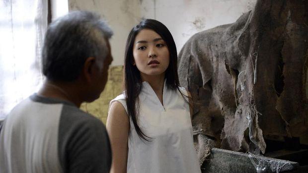 Natasha Wilona saat di lokasi syuting film 'Nini Thowok'