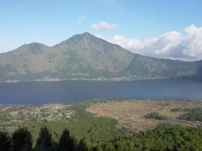 Hiking Menaklukkan Gunung Batur, Seru Abis!