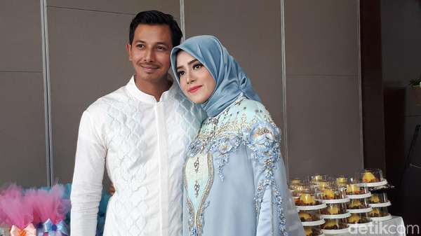 Gelar 4 Bulanan, Fairuz A Rafiq dan Sonny Berdoa Dapatkan Anak Perempuan