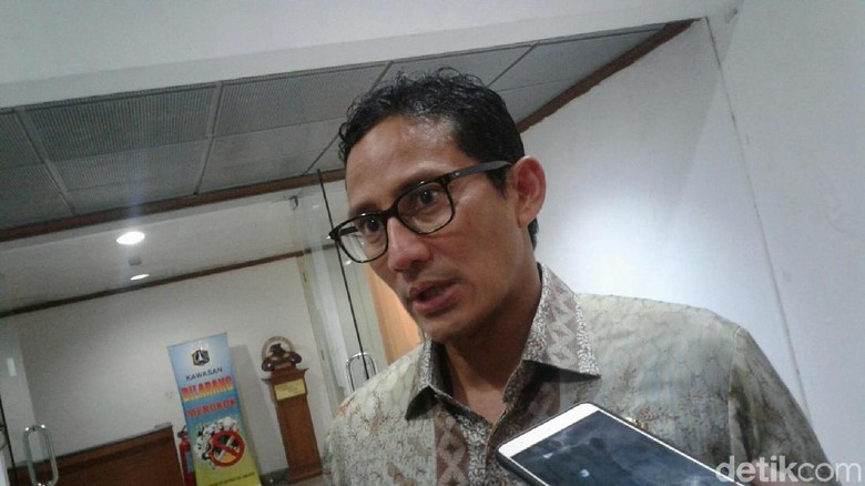 Ditanya Pencabutan Raperda Reklamasi, Sandi: Pak Anies yang Jawab