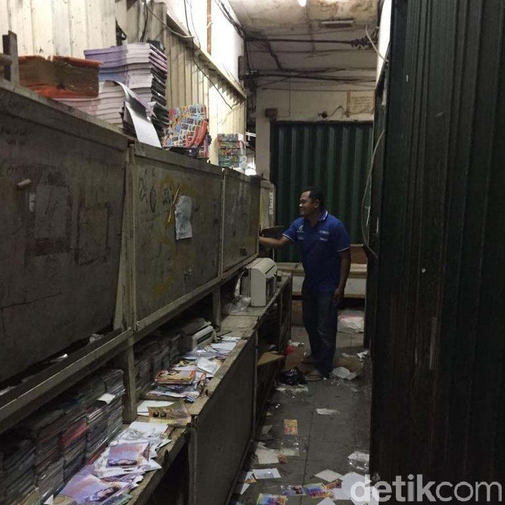 Polisi Razia 8.050 VCD Porno dan 30 Ribu DVD Bajakan di Tamansari