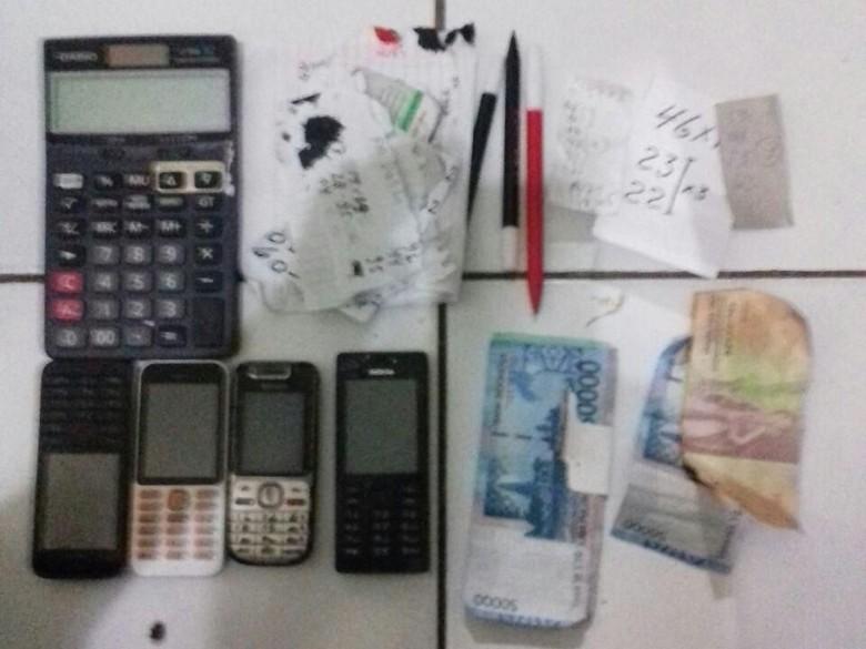 Polisi Tangkap Tukang Bakso Pengecer Togel di Tebet