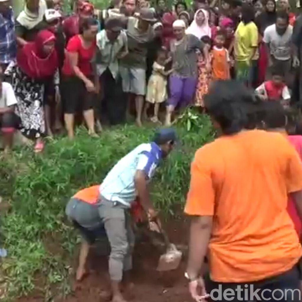 Dukun Pengganda Uang di Batang Kubur 2 Korbannya di Kebun Sengon