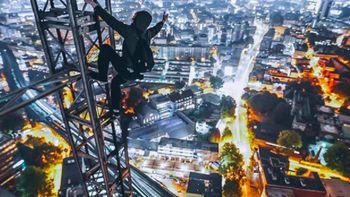 Aksi Gila Rooftopper yang Nasihati Jangan Tiru Yong Ning
