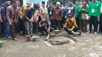 Anies Letakkan Batu Pertama Pembangunan Masjid Kampus Ibnu Chaldun