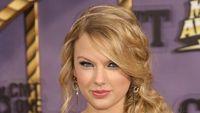 Video Taylor Swift Syuting Klip End Game di Miami Bocor