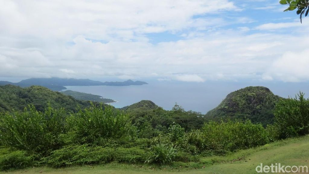 Tempat Terbaik Melihat Seychelles dari Ketinggian