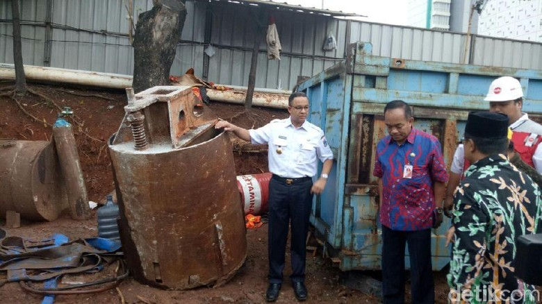 Anies Cek Terowongan Cawang Arah UKI yang Sempat Tergenang