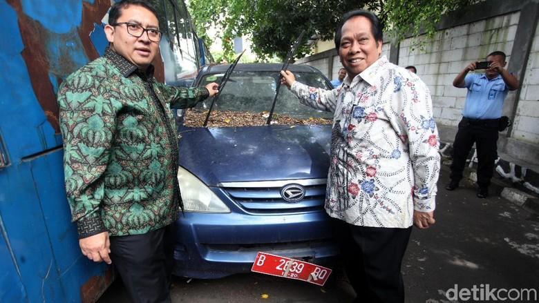 Lihat Deretan Mobil Dinas DPR yang Telantar, Fadli: Harus Dilelang!