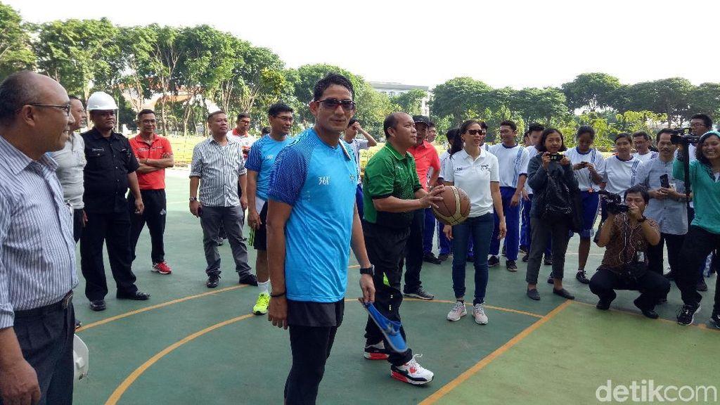 Usai Lari Pagi, Sandiaga Cek Revitalisasi Lapangan Banteng