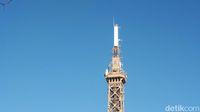 Menara ini bisa dibilang adalah replika Menara Eiffel dari lantai 3 sampai ke puncak (Afif Farhan/detikTravel)