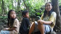 Budiyanto Sekeluarga di Karanganyar Tinggal di Hutan, Ini Alasannya