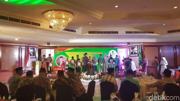 Acara malam apresiasi pendidikan madrasah di Banten