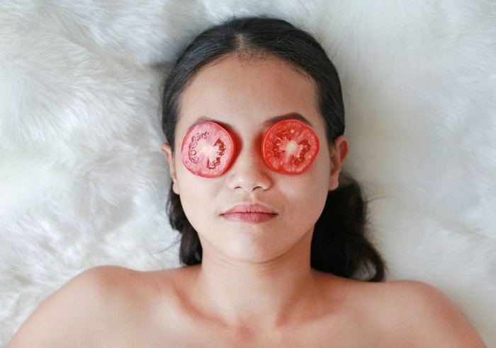 Hasil gambar untuk masker tomat untuk mata