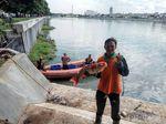Keseruan Warga Panen Ikan di Danau Sunter 2