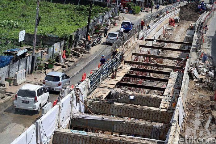 Begini penampakan terkini proyek pembangunan underpass Matraman, Jakarta, Jumat (15/12/2017).