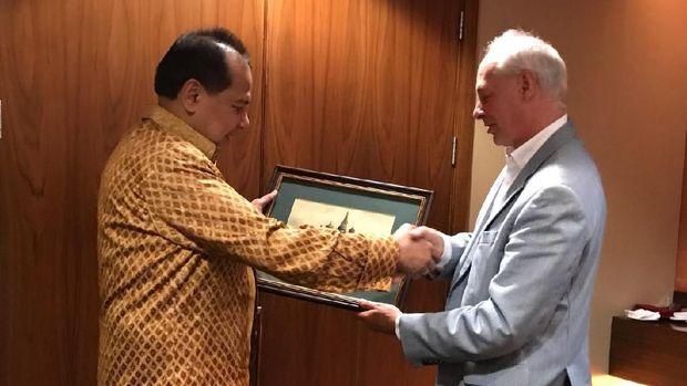 Chairul Tanjung menerima Deputi Menkominfo Rusia.