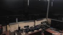 Mencengangkan! Banyak CCTV-Monitor di Control Room DPR Tak Berfungsi