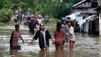 Badai Terjang Bocah Tahun Tewas - Manila Badai tropis menerjang wilayah Filipina bagian timur hingga memicu banjir dan tanah Seorang bocah dilaporkan tewas sedangkan