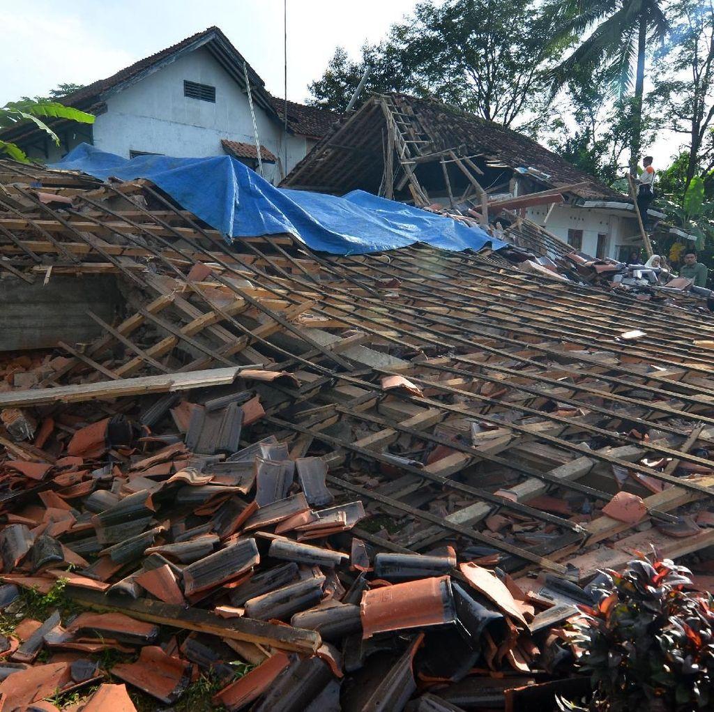 Rumah yang Rusak Akibat Gempa Tasikmalaya