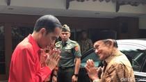 Saat Jokowi Tumpangkan dan Antar BJ Habibie Pulang ke Rumah