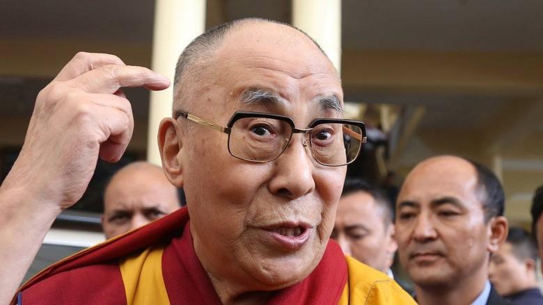 Dalai Lama Meluncurkan Aplikasi iPhone untuk Pengikutnya