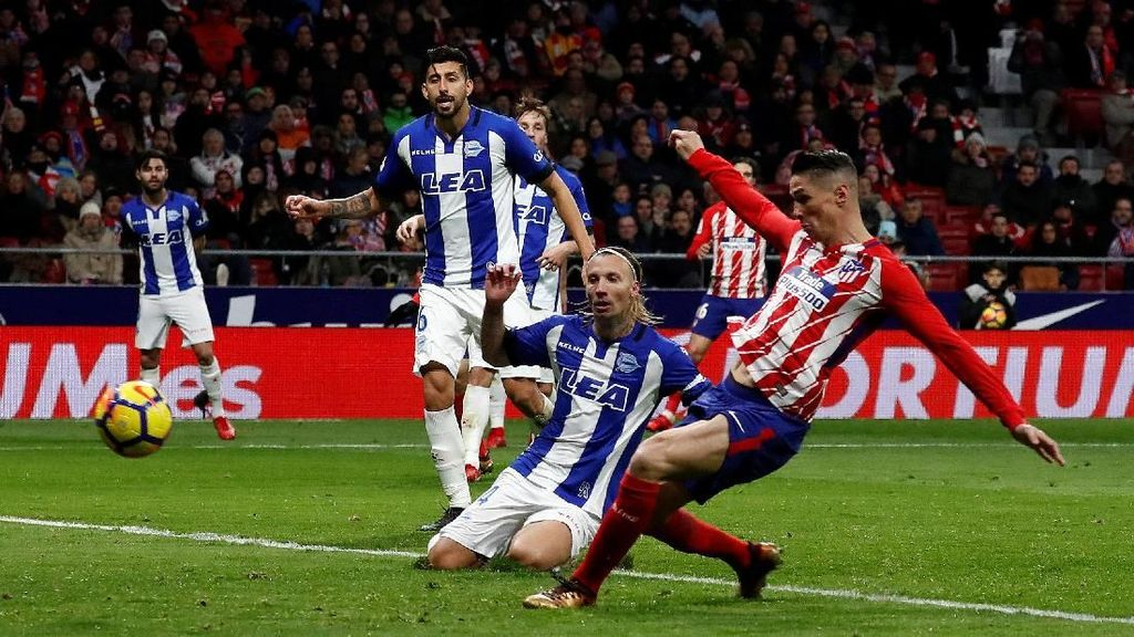 Fernando Torres Bawa Atletio Taklukkan Alaves 1-0