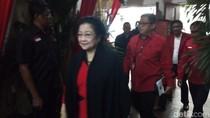 Akan Umumkan Cagub di 4 Daerah, Megawati Tiba di DPP PDIP