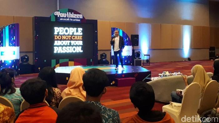 Socialpreneur Rene Suhandono saat berbicara di acara dYouthizen Vivo. Foto: Rachmatunnisa/detikINET
