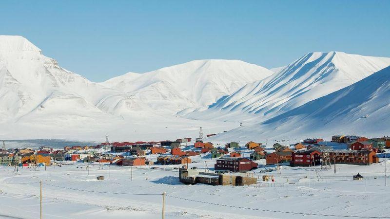 Longyearbyen merupakan nama kota di utara Bumi yang masih masuk dalam wilayah Norwegia. Ada satu peraturan unik di sana, yakni dilarang menguburkan jenazah di tanah (Thinkstock)
