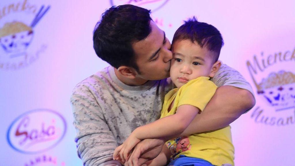 Cerita Raffi Ahmad Diomelin Ayahnya Gara-gara Game Online