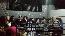 Foto: Para Wanita yang Terjaring Razia Narkoba di Diskotek MG