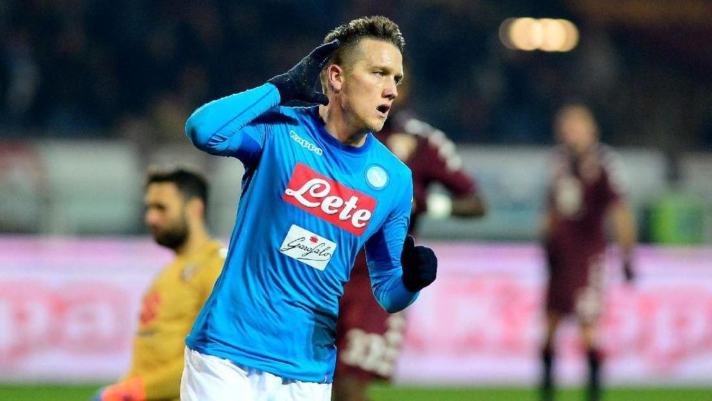 Kalahkan Torino, Napoli Rebut Puncak Klasemen dari Inter