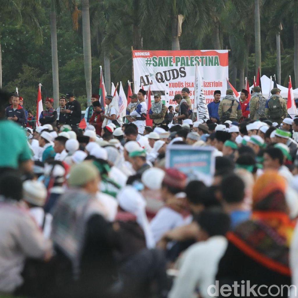 Aksi Bela Palestina Dimulai, Massa Nyanyikan Indonesia Raya