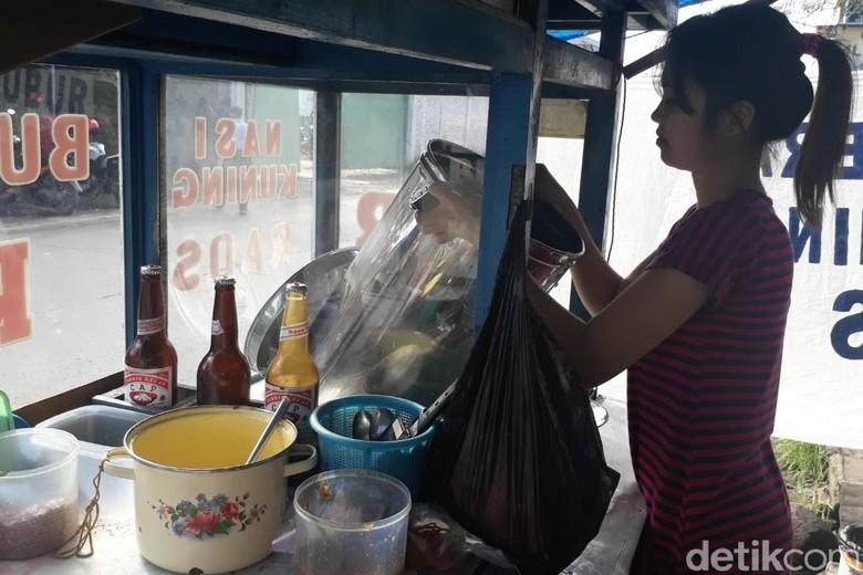 Melihat Aktivitas Penjual Bubur Cantik yang Disorot Warganet
