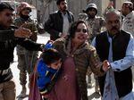 Rekaman CCTV Saat Serangan Bom di Gereja Pakistan
