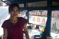 Melihat Aktivitas Tati Penjual Bubur yang Ramai di Medsos