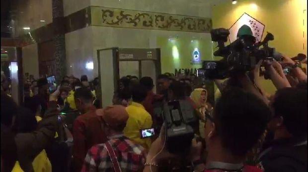 Paspampres Sempat Larang Ketua Golkar Sutra Masuk Arena Munaslub