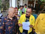 Tak Ditemui Ridwan Kamil, Kader Golkar Titip SK Cerai ke Satpam